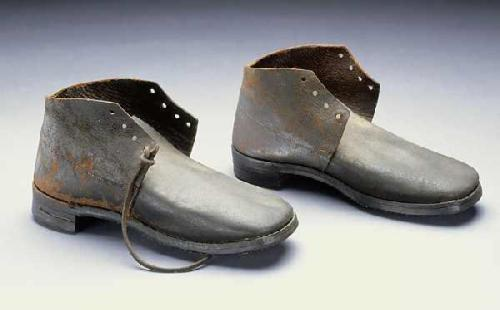 Confederate boots, ca. 1860-1865. Collections of North Carolina Museum of History, Accession Number 1914.108.1