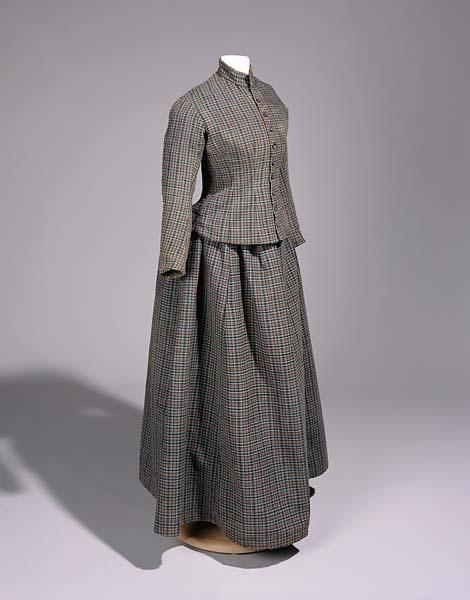 Homespun dress, 1886.  North Carolina Museum of History Accession #2003.108.1