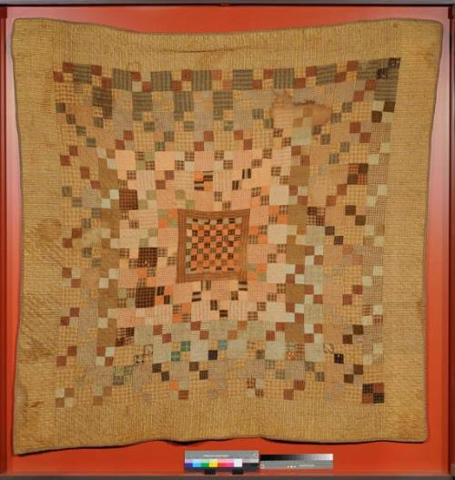 Close view. Quilt. Collections of the North Carolina Museum of History, Accession number 2004.185.1