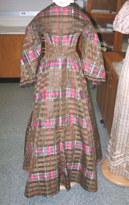 Isabella Bragg's dress, ca 1850-1860, North Carolina Museum of History Collections, Accession number 1989.87.1