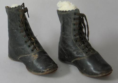 Boots, North Carolina Museum of History, Accession number 1947.21.9-10.
